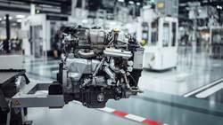 Новият електрифициран турбокомпресор се предлага в M 139