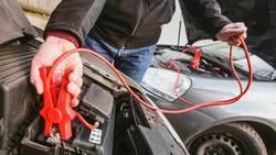 Подаване на ток с кабели от друг автомобил - стъпка по стъпка