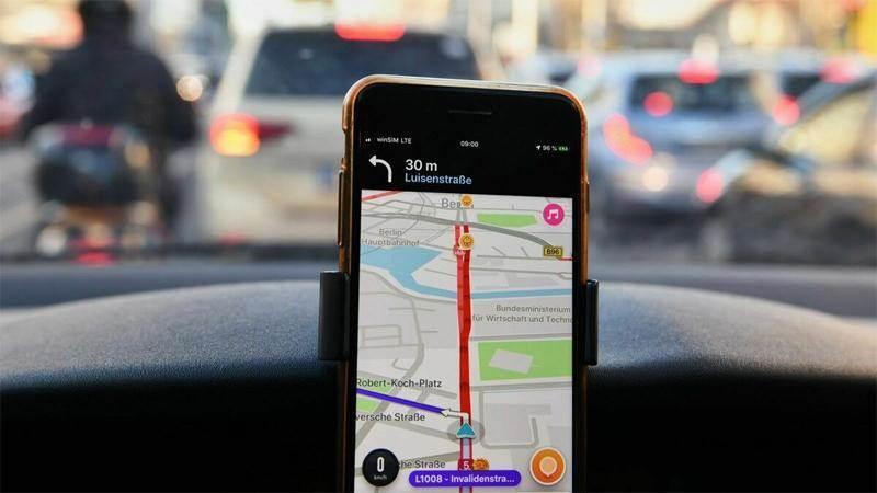 Използването на мобилни телефони по време на шофиране забранено в ЕС - tp3