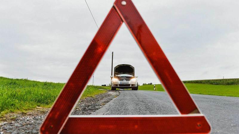 Колата ви оставя мазни петна по пътя - възможни причини
