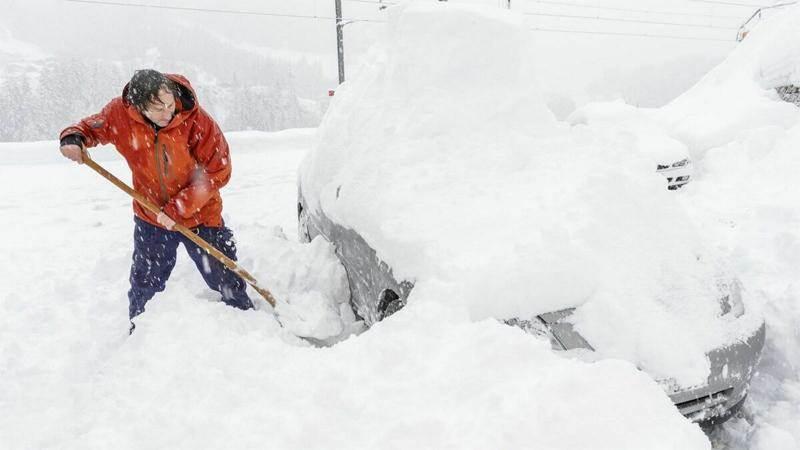 Паркирането в сняг може да бъде предизвикателство за шофьорите