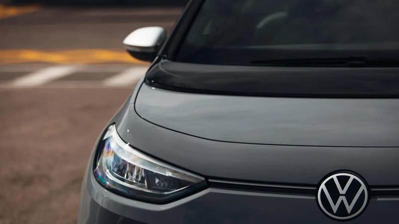 VW ID.3 записва повече от 55 000 поръчки през 2020 г. / половината доставени